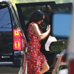 Meghan Markle arriving home in Toronto with takeaway food on September 24, 2017.