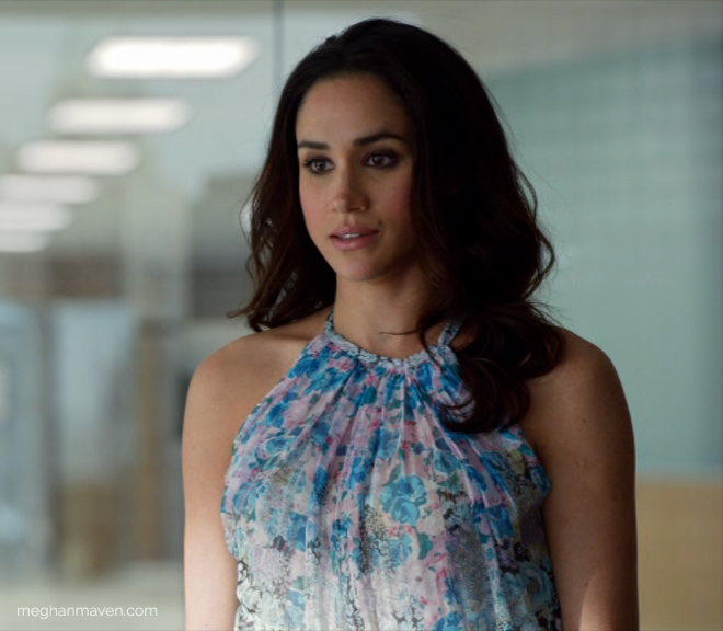 """Meghan Markle as Rachel Zane wearing a Nina Ricci floral silk top on 'Suits' Season 4 Episode 2 """"Lunch and Dinner."""""""