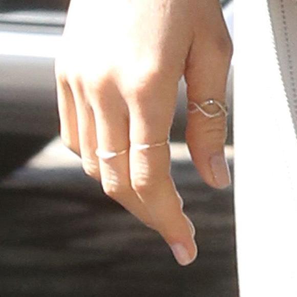 Vanessa Tugendhaft Infinity Ring Meghan Maven