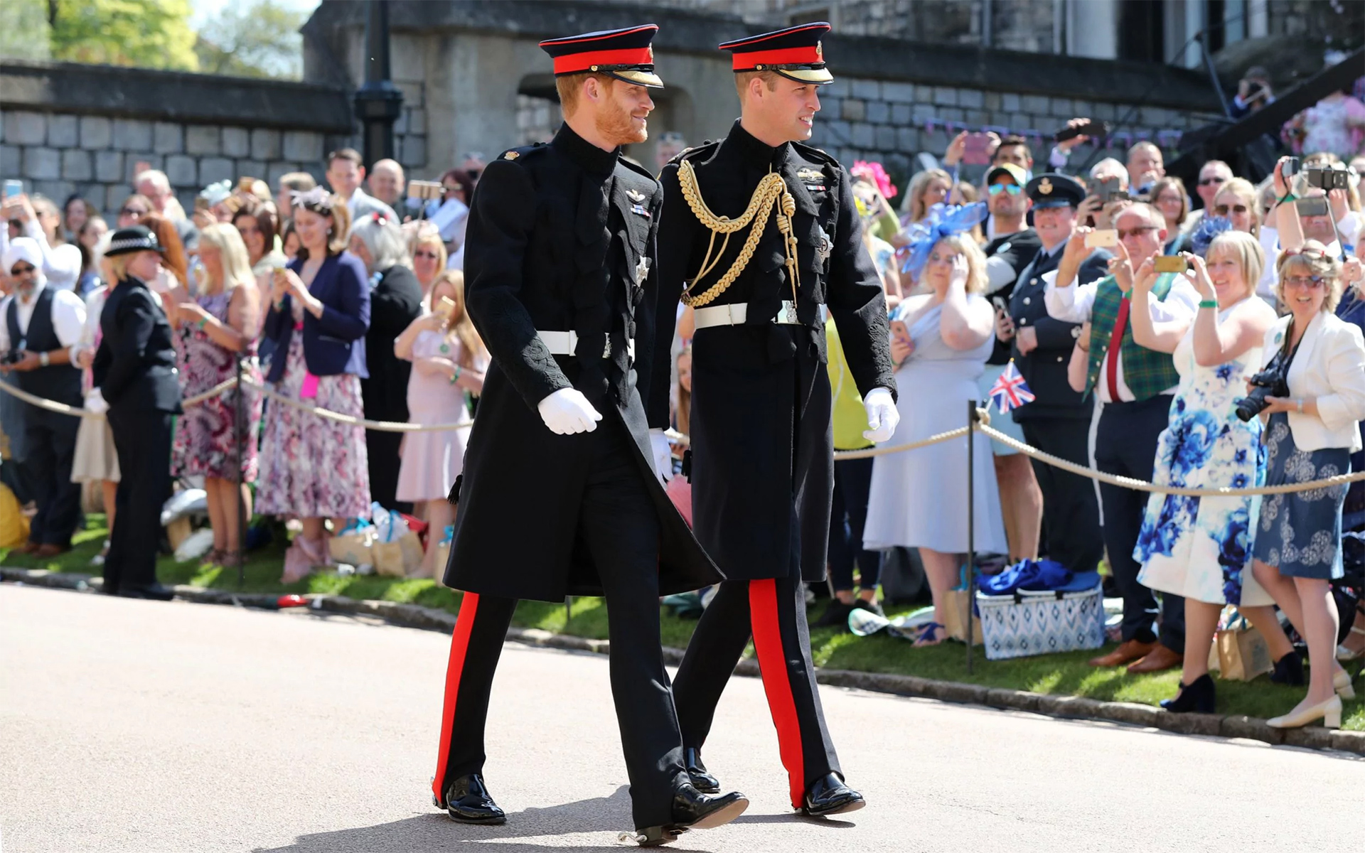 Prince Harry and best man Prince William arrive at St George's Chapel