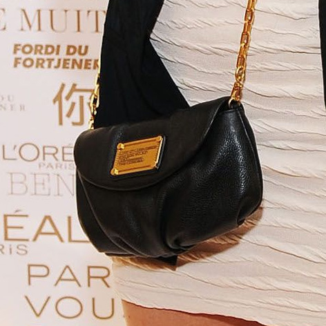 acefe05550c Bag detail: Meghan Markle attends the HBO Luxury Lounge Featuring L'Oreal  Paris And