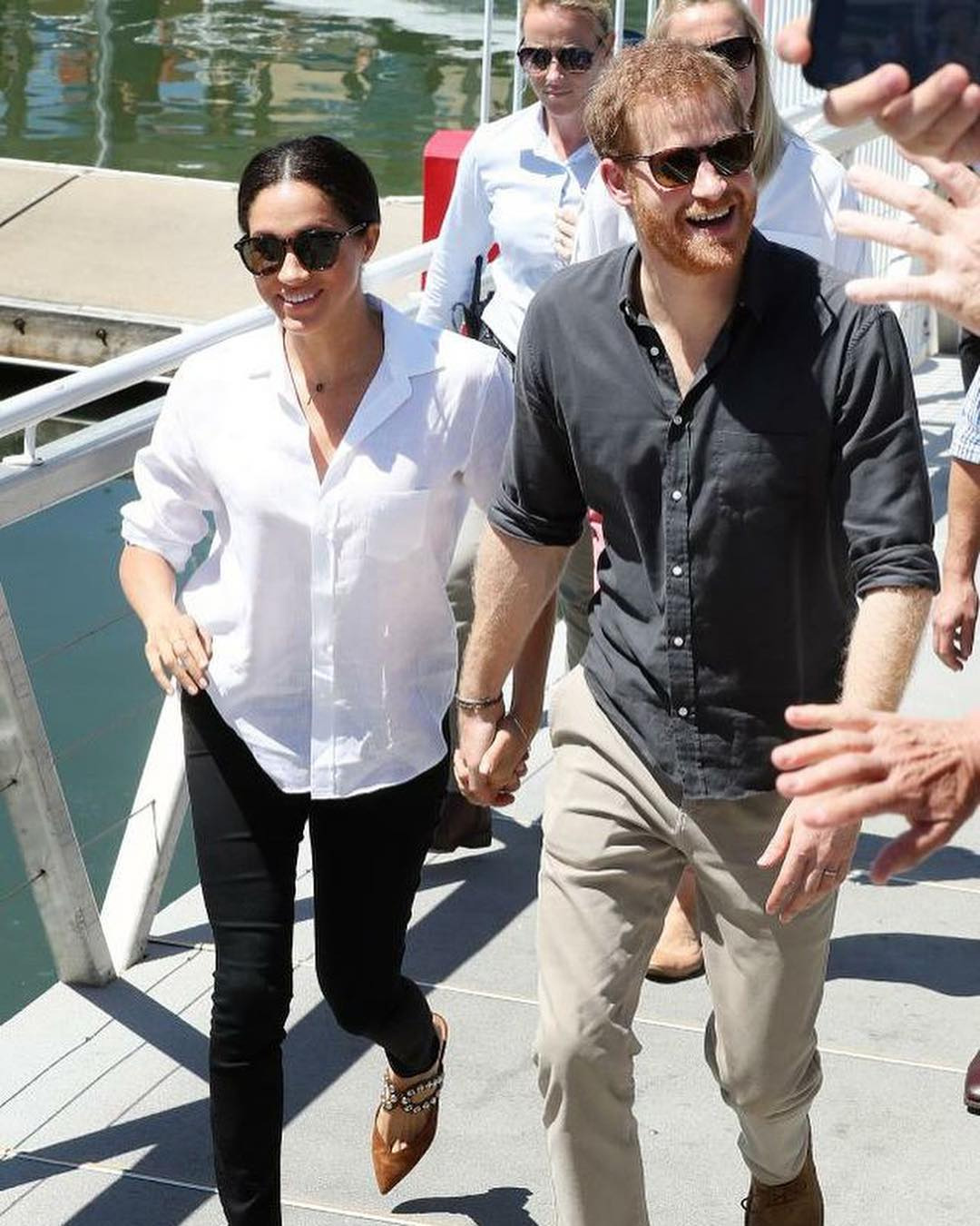 Meghan and Harry departing Fraser Island for Fiji on day 8 of their Oceania tour.