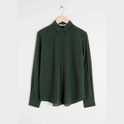 & Other Stories straight-fit silk shirt in Dark Green as seen on Meghan, Duchess of Sussex