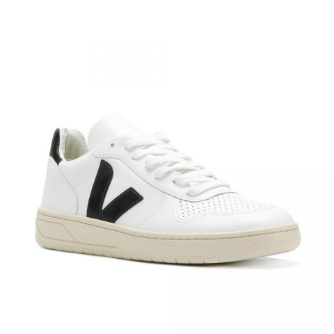 Veja V lace-up sneakers as seen on Meghan Markle / Duchess of Sussex