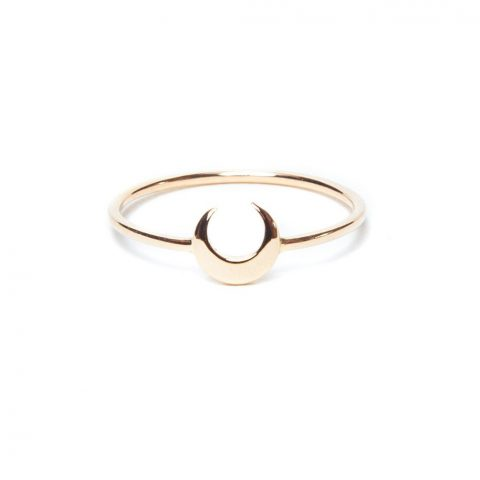 i + i crescent moon ring possibly worn by Meghan, the Duchess of Sussex
