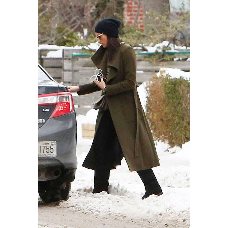 Meghan Markle leaving her home in the snow in Toronto