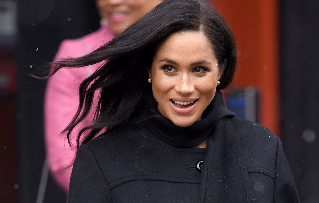 Meghan, Duchess of Sussex and Prince Harry, Duke of Sussex arrive at the Bristol Old Vic on February 01, 2019 in Bristol, England.