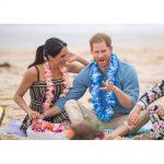 Meghan and Harry attend a OneWave Fluro Friday Sunrise session on Bondi beach in Sydney, Australia.